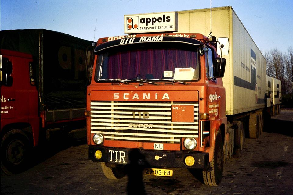 Scania 110 Super Perry de Bresser.