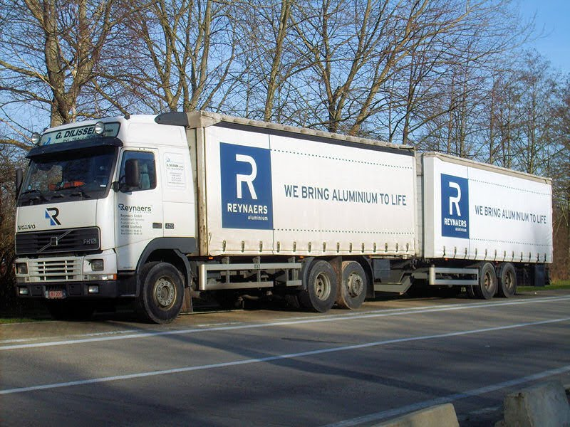 BE-Volvo-FH12-420-Dilissen-Rouwet-070208-01