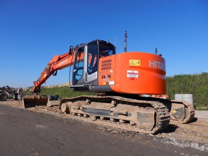 Hitachi. ZX 225 US
