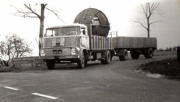 DAF DO 2000 laden in Stavoren