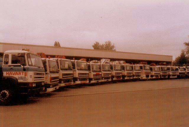 DAF CF op de parking in 2000.