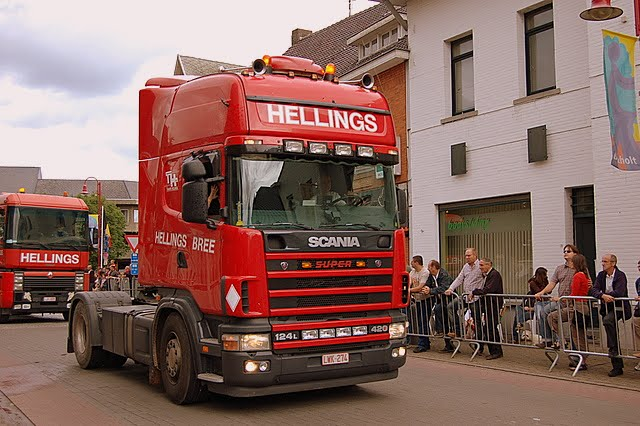 Renault AE   Scania 124L   420