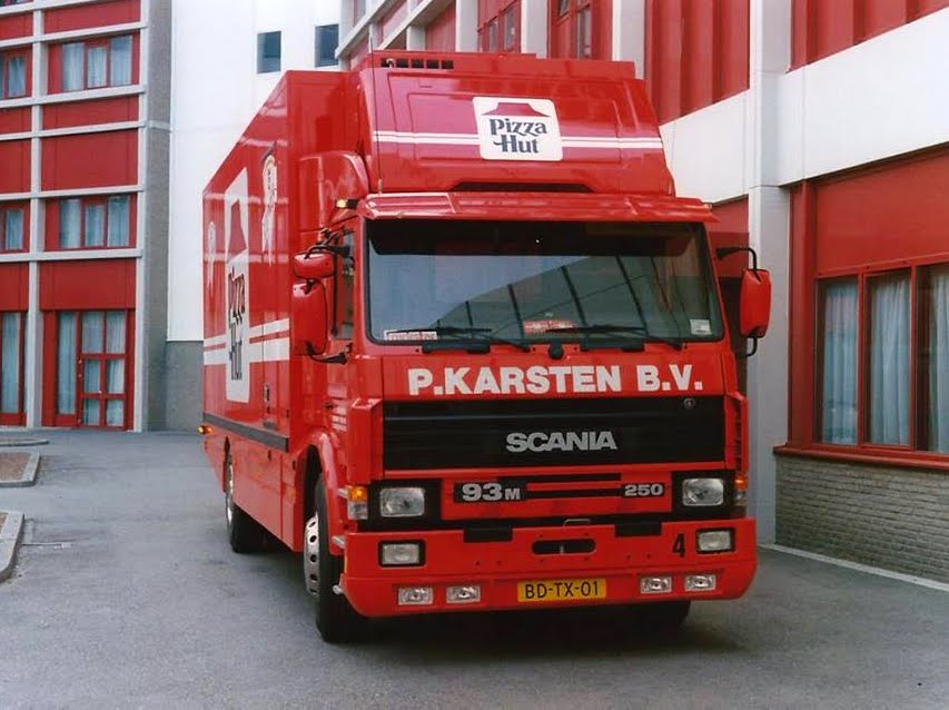 Scania 93 M Pizza Hut.