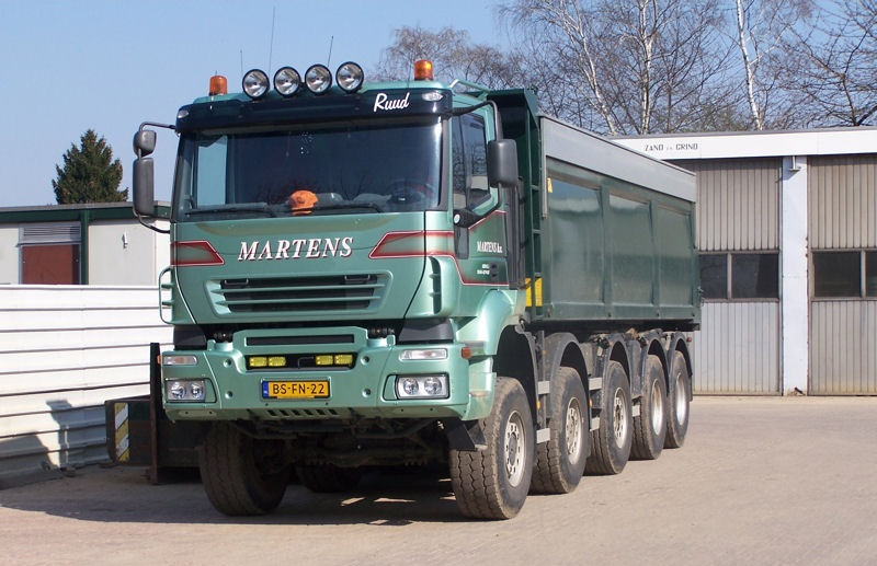 Iveco-Traklker-440-10x4-