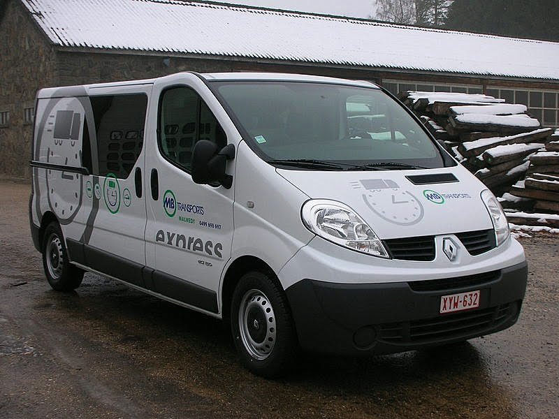 Renault Express Services.