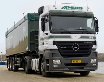 Mercedes met Luxemburg plaat.