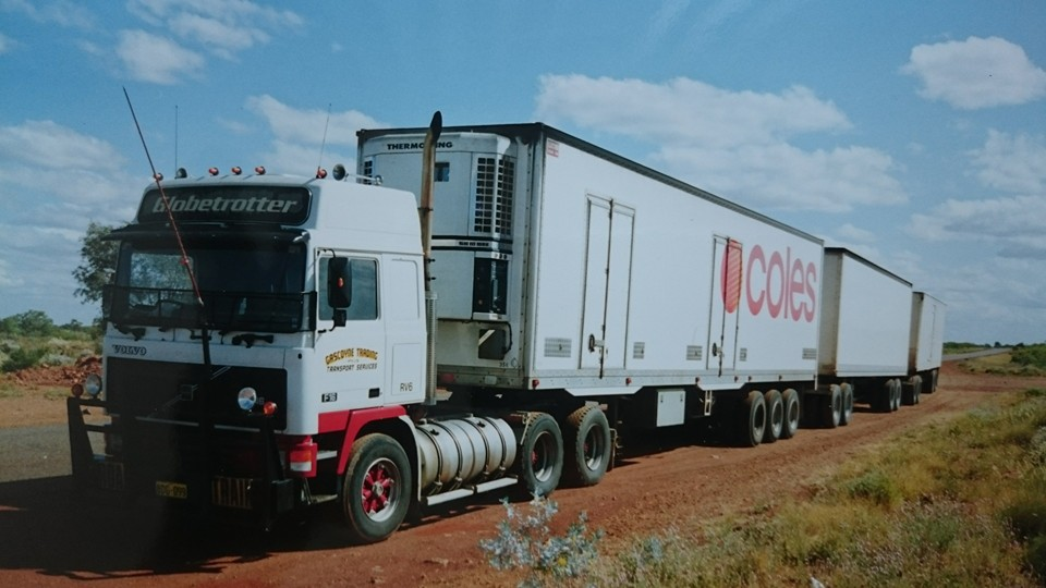 13 Volvo 6X4 Road Train
