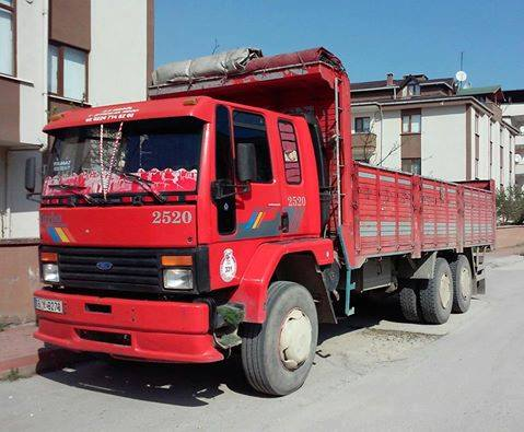 Ford-Cargo-2520