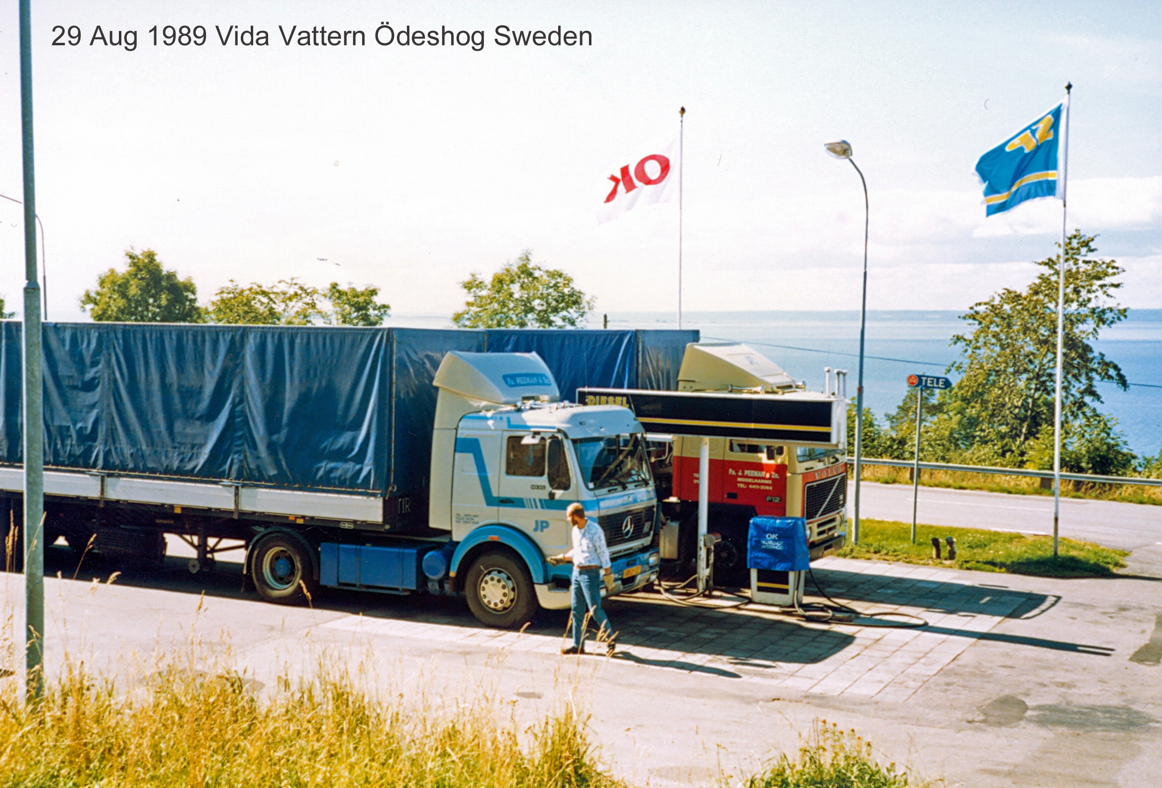 Peeman-Truck-Gasoline-stop-E4-northbound-Granna-Sweden-001--29-aug-1989