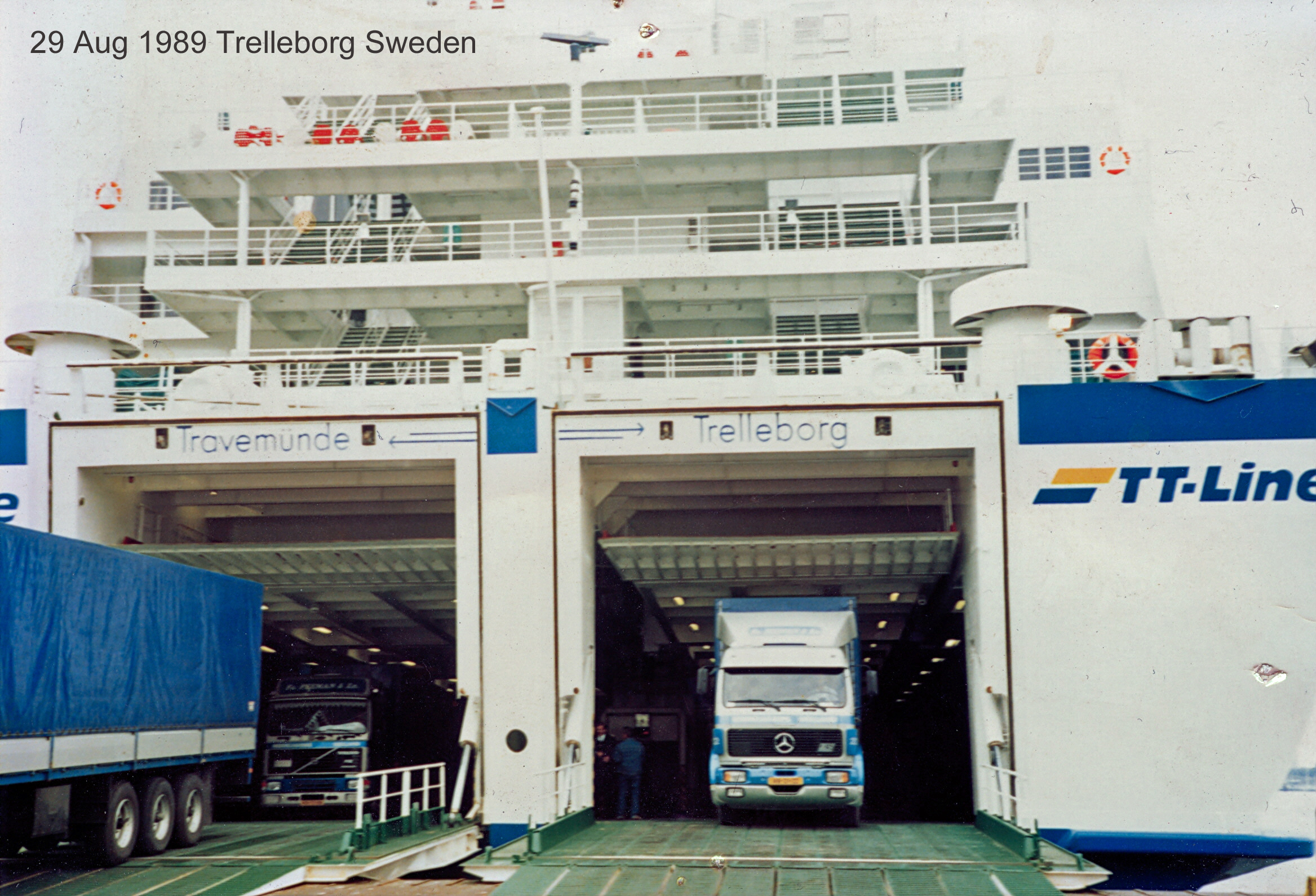 Peeman-Trucks-harbour-Trelleborg--leaving-ferry-Travemunde-Germany-Trelleborg-Sweden-001-29-aug-1989