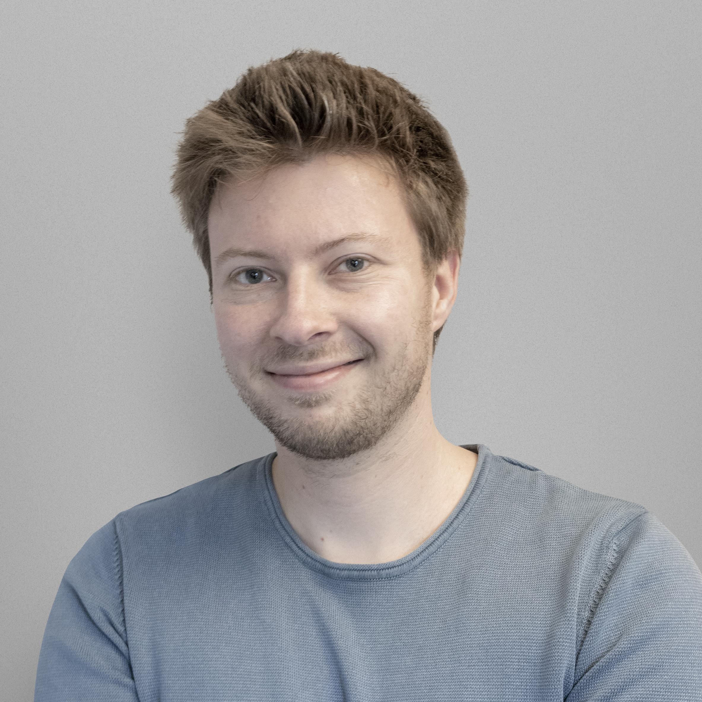 Leandro 't Jong, leandro@compacon.nl Compacon