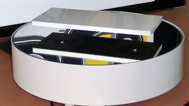 Floating laptop display