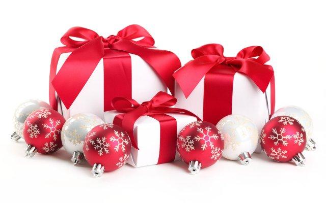Stock-Image-Christmas-Presents[1]