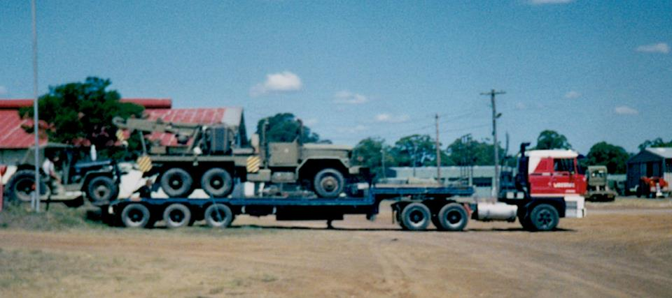 Loading-at-the-Holdsworth-Army-base-in-Sydney