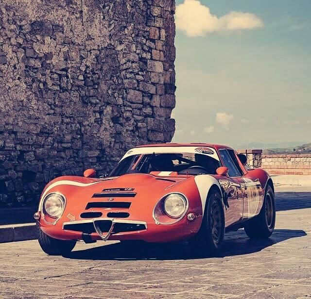 Alfa-Romeo-Tz2--Sex-on-wheels