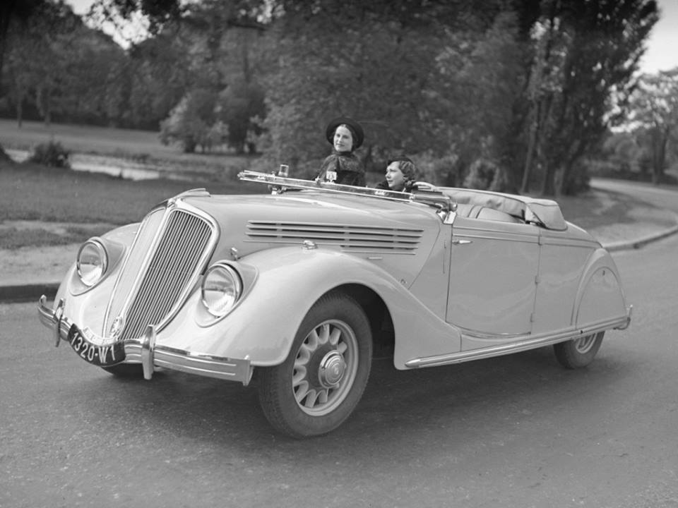 Renault-Viva-Grand-Sport-1934_39-1