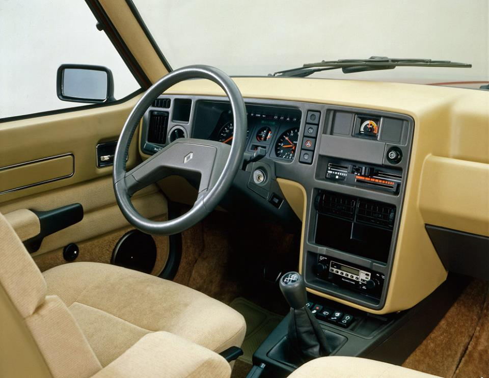 Renault-30-1975_84-3