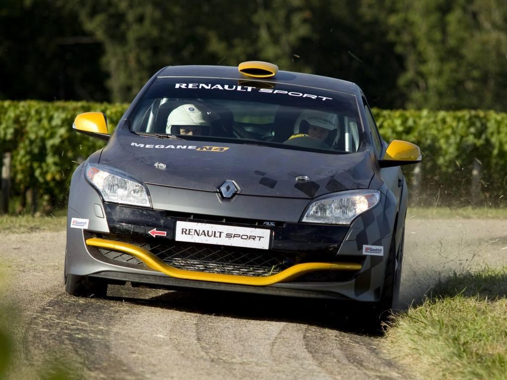 Renault-Megane-R-S-N-4-2011-1