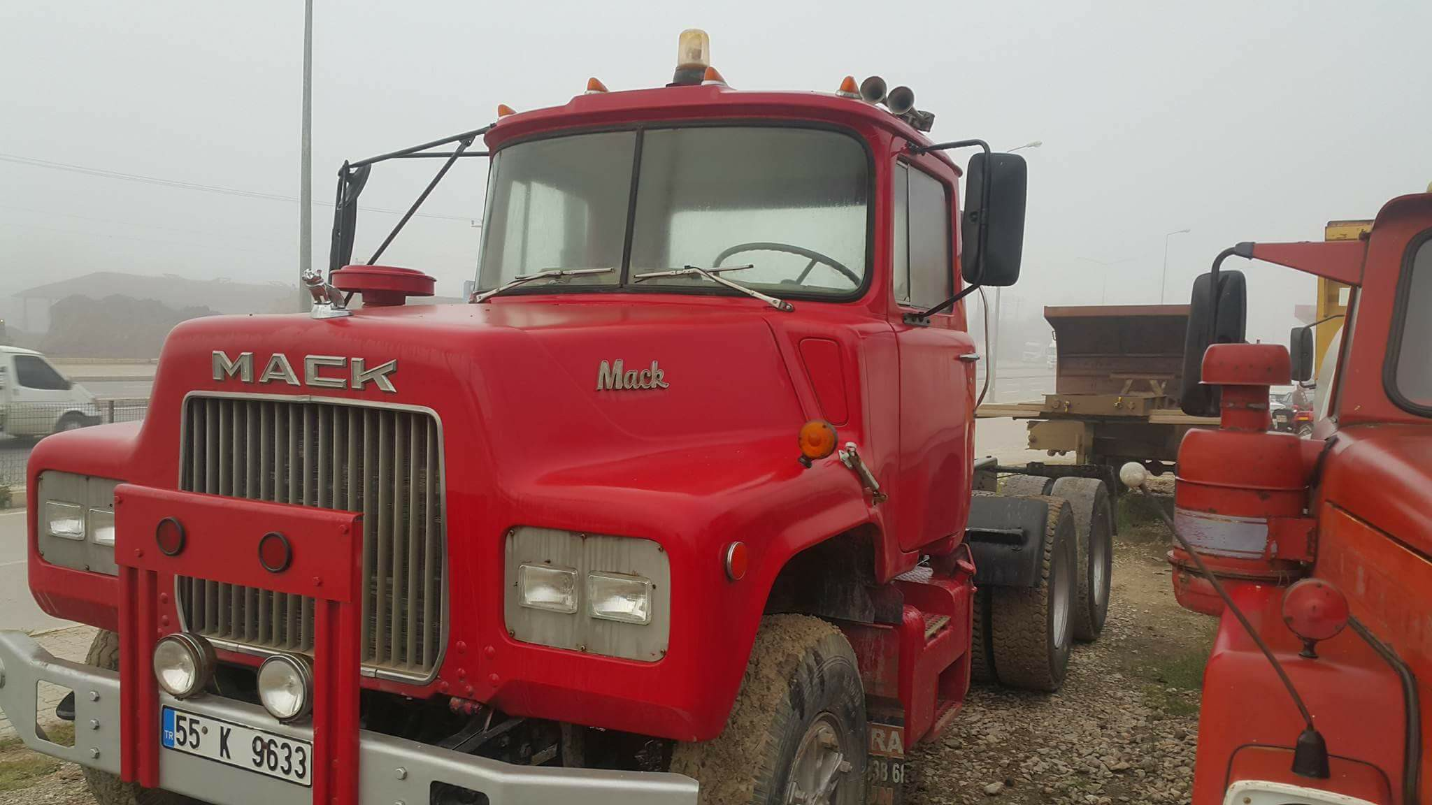 Mack-4X4-1