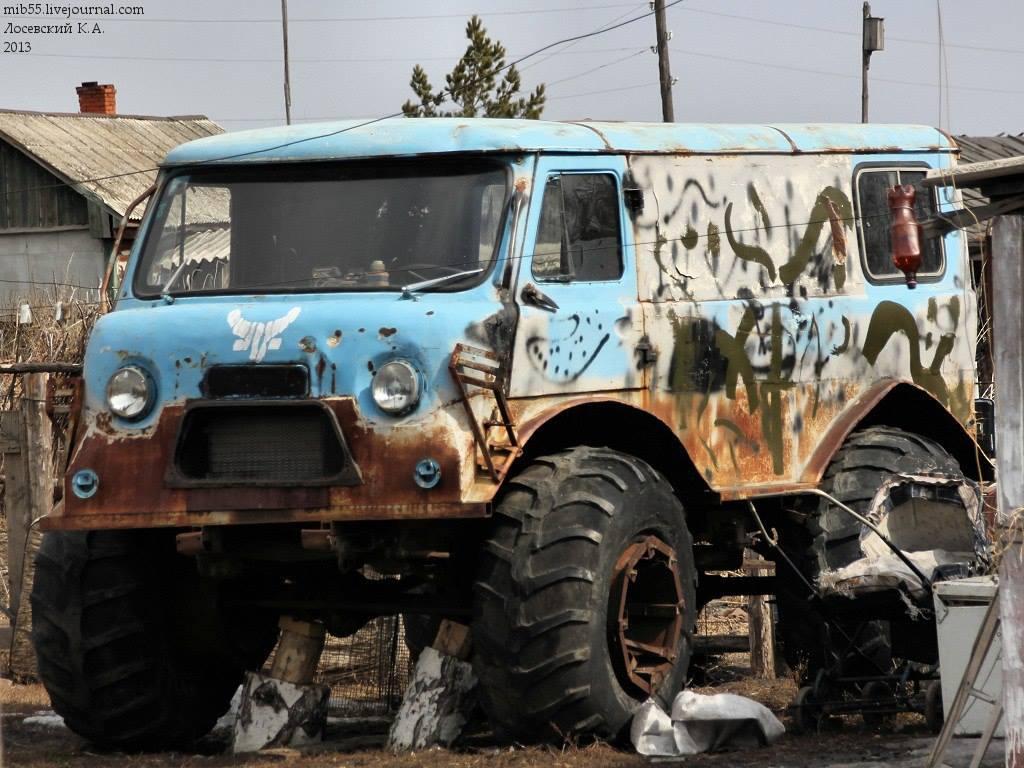 UAZ-4X4-van