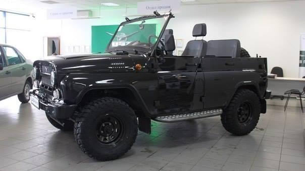 UAZ-Cabrio-Hunter-1