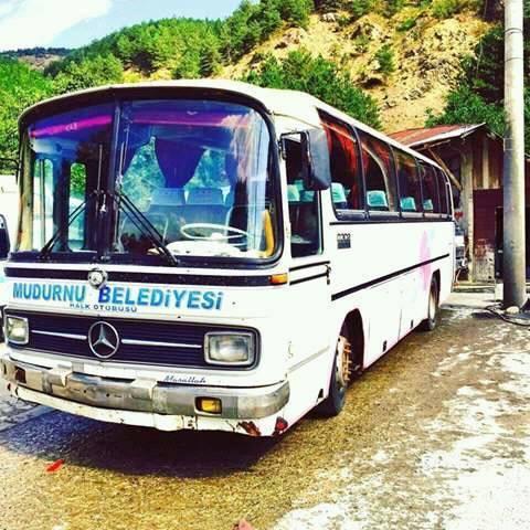Mercedes-0302-2