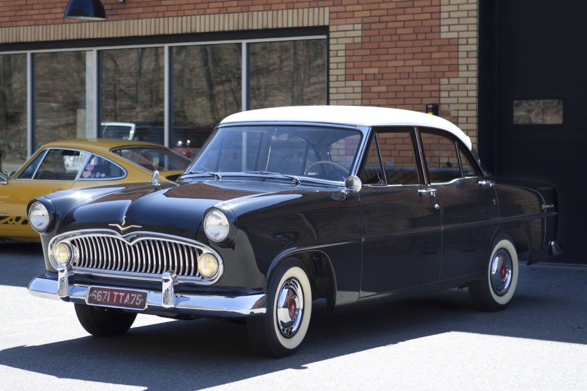 Simca-Sport-Vedette-Versailles-1957-1