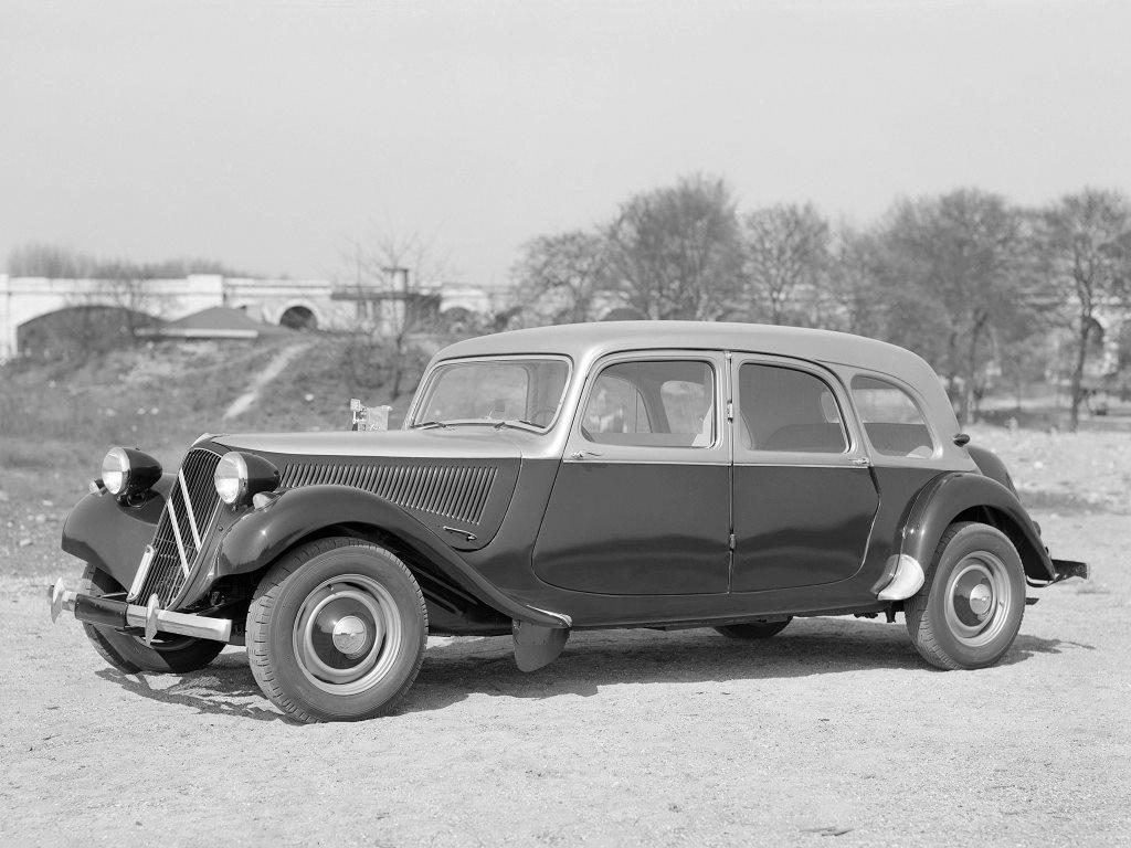 Citroen-Traction-Avant-11-CV-11-D-Familiale-Taxi-1955_57