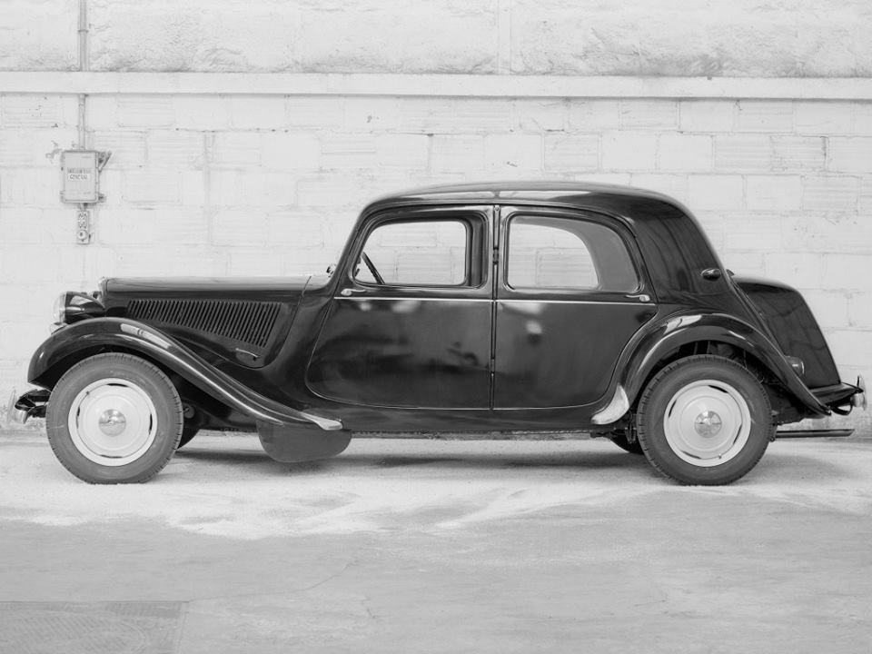 Citroen-Traction-Avant-11-CV-Berline-11-BL-1937_40-2
