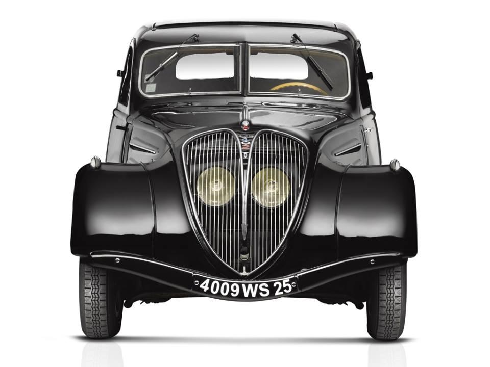 Peugeot-402-Limousine-1935_42-2