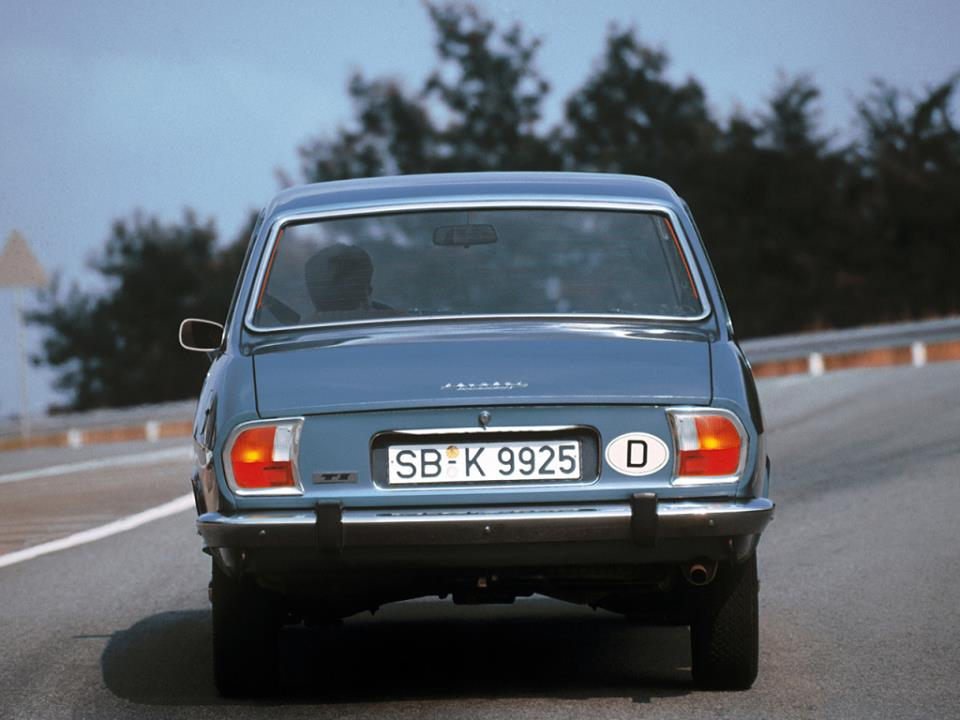 Peugeot-504-1977_79-2