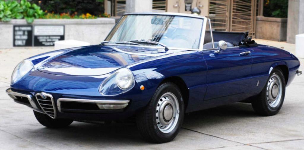 Alfa-Romeo-Spider-Duetto-