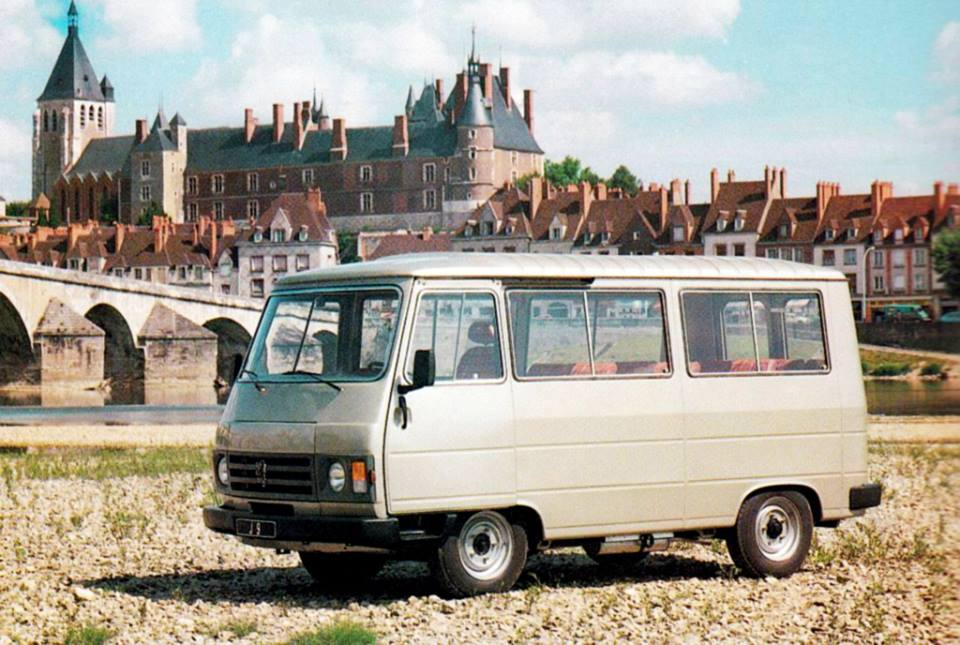 Peugeot-J9-1980_87