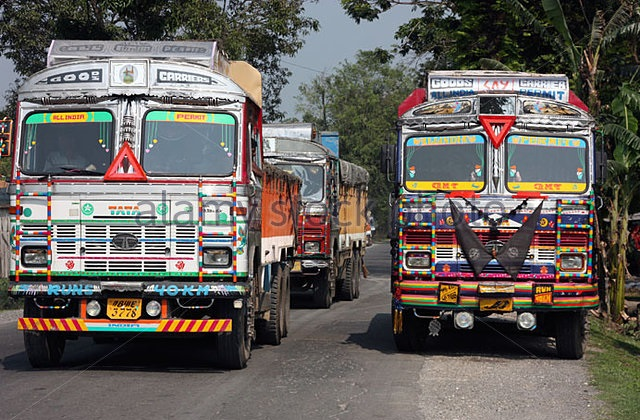 highly-decorated-indian-tata-trucks