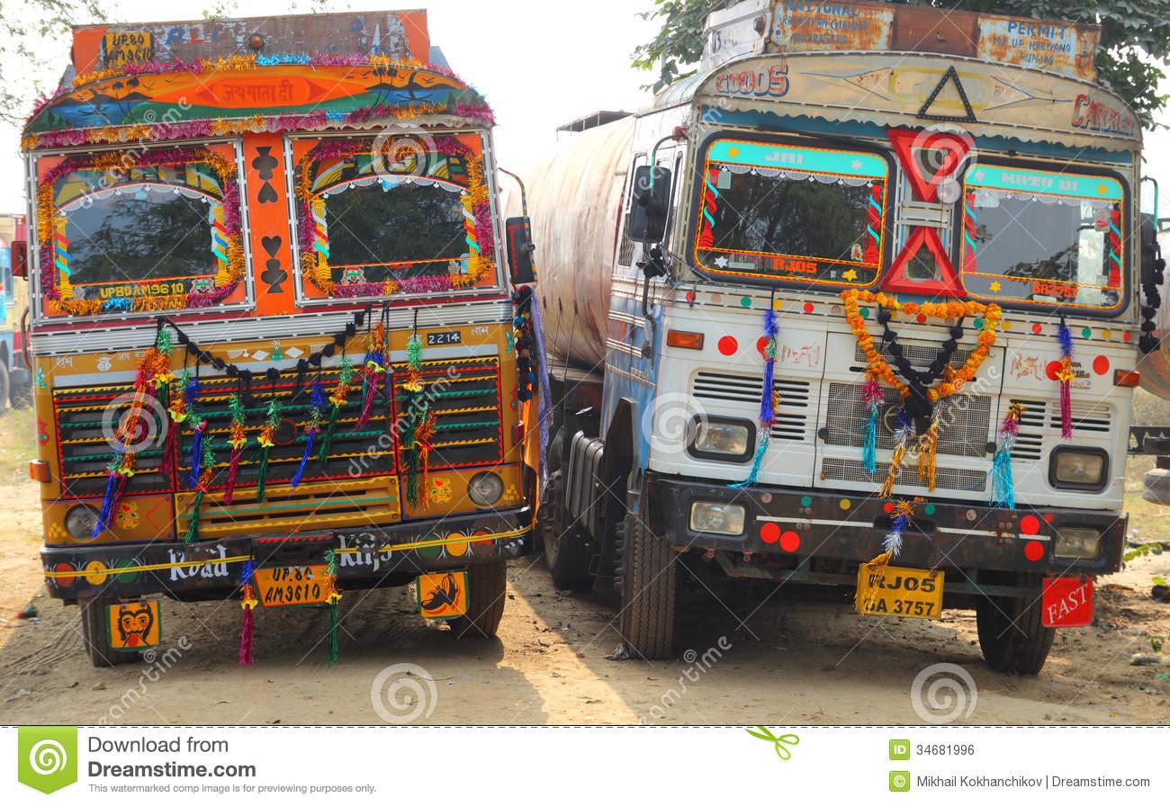 ornate-trucks-india-two