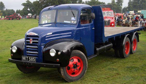 Ford-Thames_Trader-6X4