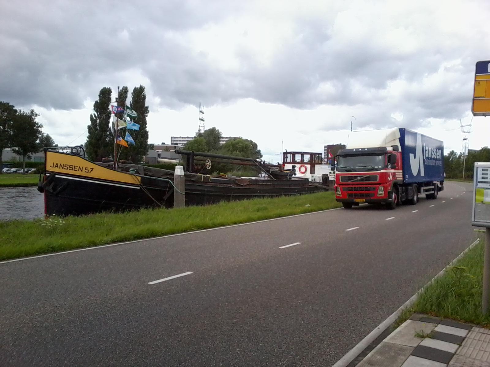 met-de-laatste-Janssen-boot-op-de-foto