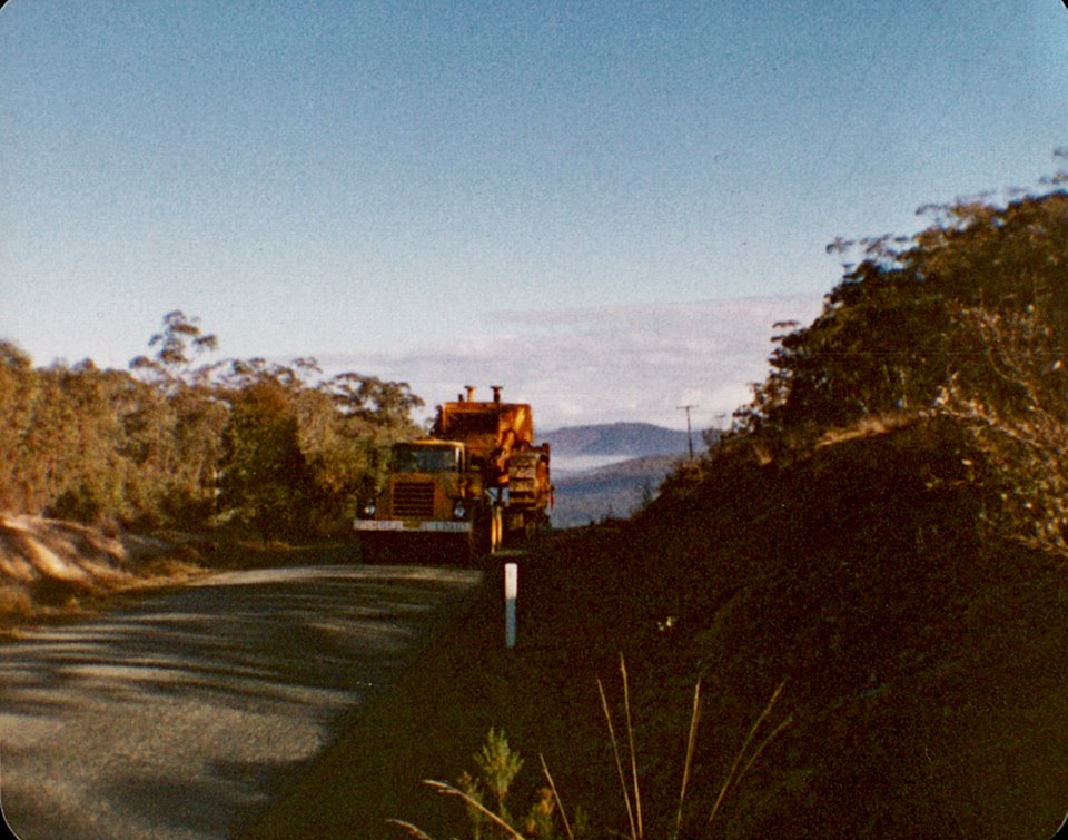 Climbing-up-the-hill--75-ton-load