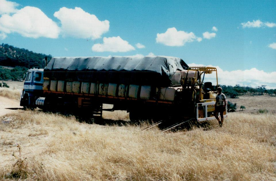 10-Wim-Wassink-loading-woolbales-in-Adaminaby