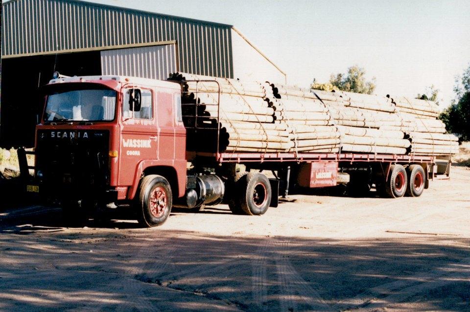 5.-Posts-for-Mitre-10-Jindabyne-Scania-LB110-with-McGrath-trailer