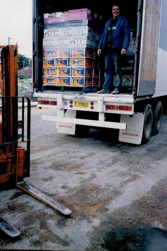 19--Unloading-fruit--veges-at-Top-Cherry-Cooma-From-Sydney-and-Melbourne-markets