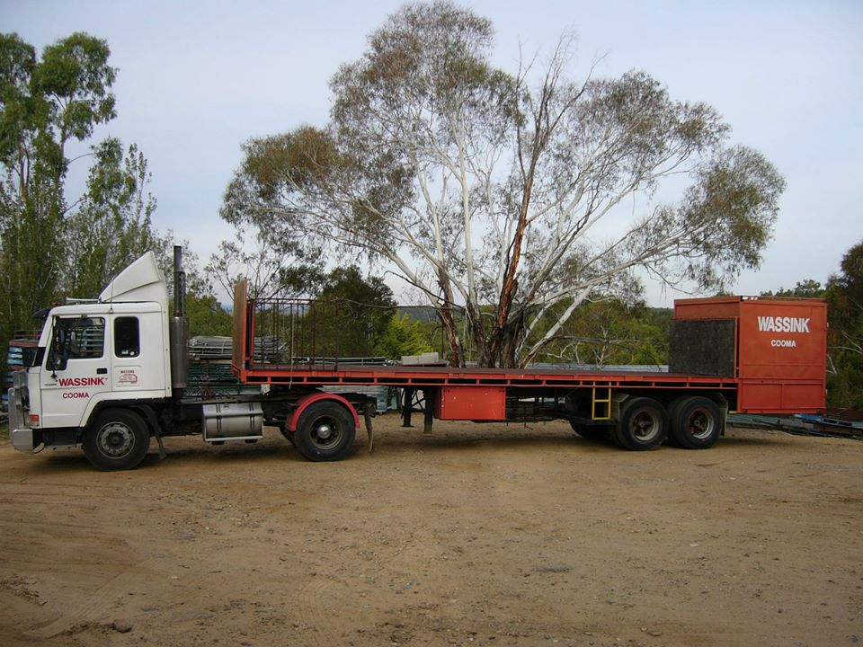 Home-made-trailer-for-pick-ups-in-Canberra--Back-suitable-for-parcels