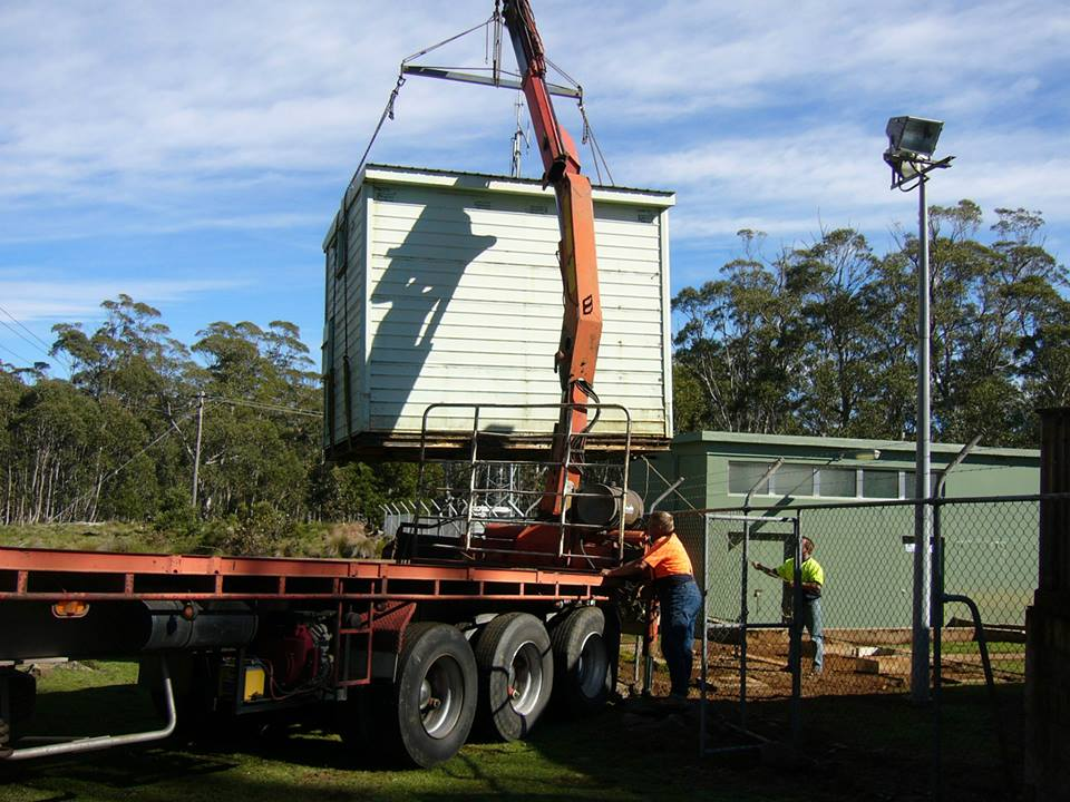 Shed-removal-at-the-Brown-mountain-send-tower