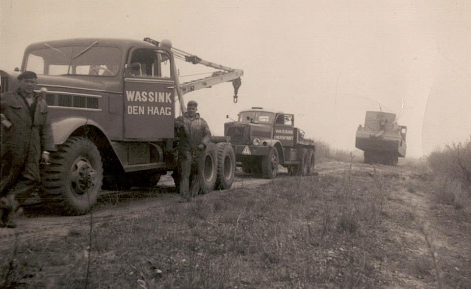 Federal-1942-and-Diamond-T--Brieneroord-onderdelen