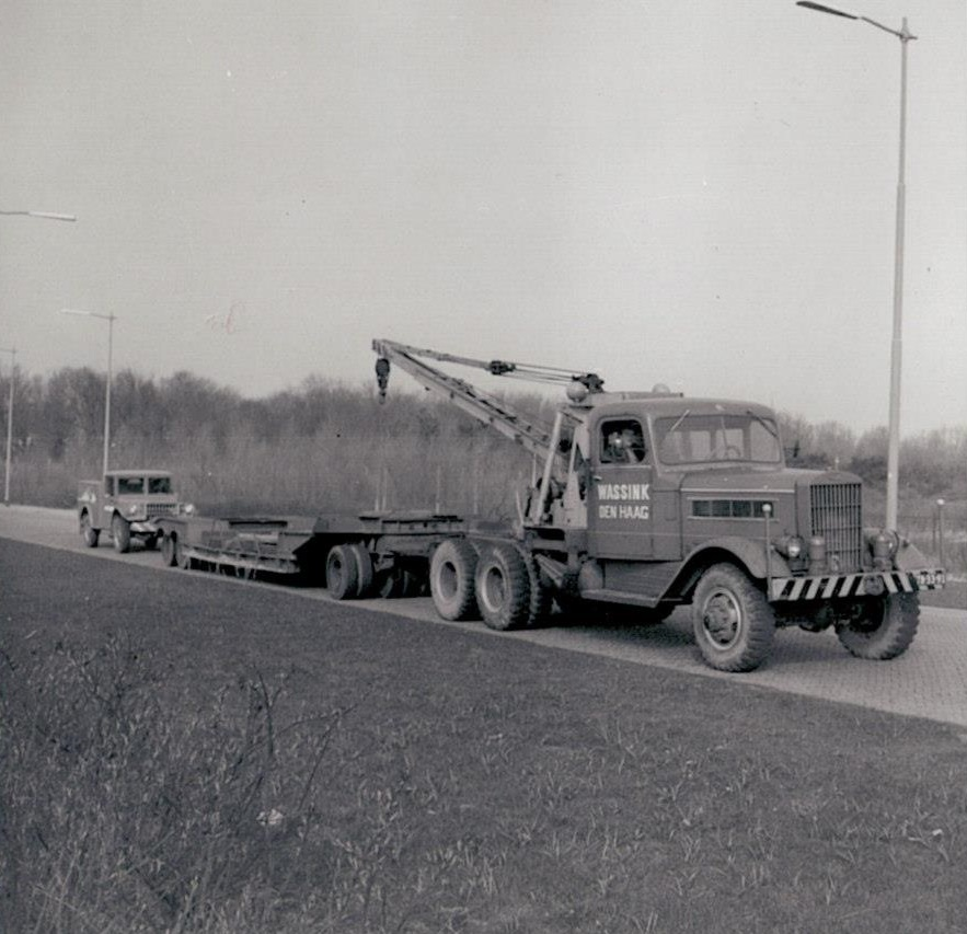 Federal-with-modified-Rogers-tank-carrier-and-a-Dodge