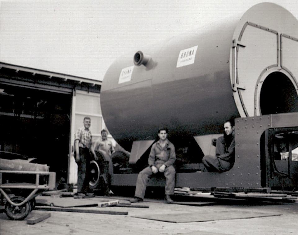 Loading-a-boiler-at-Bruna