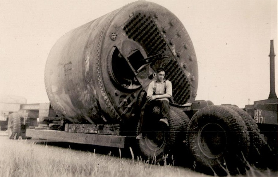 Old-ship-boiler-for-the-glasshouses-The-van-Ingen-trailer-the-bogie-was-from-a-ex-Diamond-T-with-the-diffs-taken-out