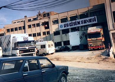 Ya-Ma-Nuth-Hub-Somers--in-Istanbul[1]
