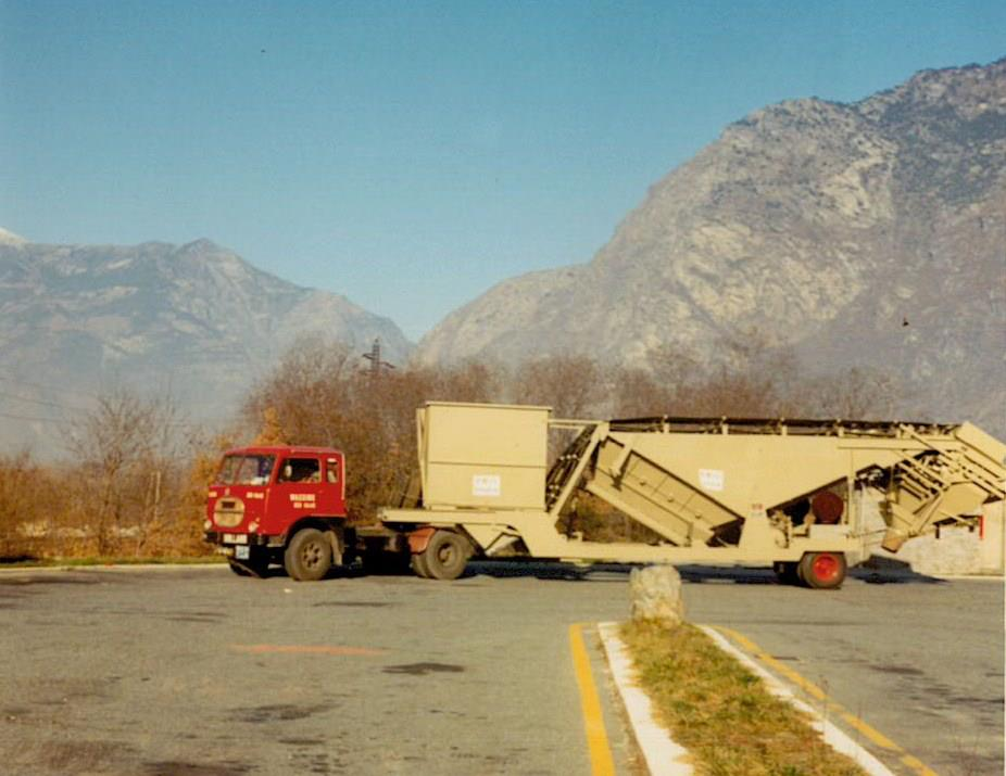 Concrete-mixing-machine-for-Greece
