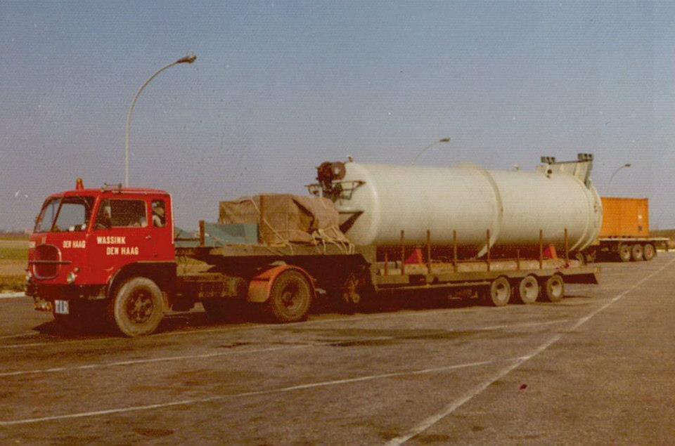 Vacuumtank-for-Reggio-di-Calabria-South-Italy-Truck-Fiat-619T-with-Broshuis-trailer